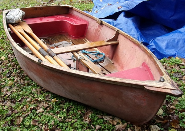 toms dinghy.jpg